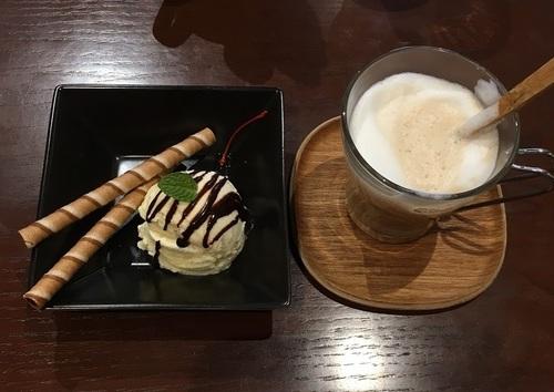 07カフェ.JPG